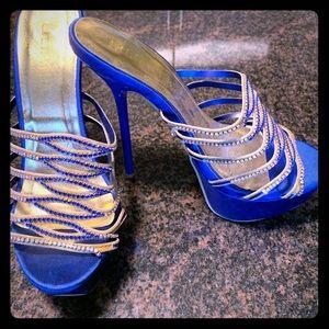 NWT Liliana - Crystal strap heels size 8